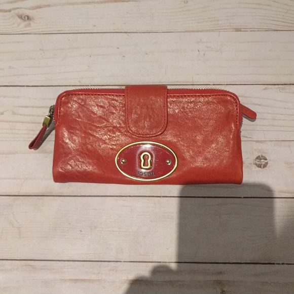 Beautiful red wallet by Fossil 🌸🍀🌼